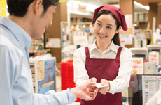 スーパーで店員に嫌われる「NG行動」とは?