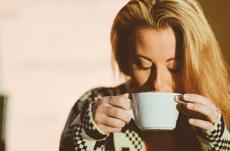 コーヒーを飲む人は口臭に注意?意外な口臭雑学