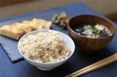 「完全食」は健康管理やダイエットに使える?