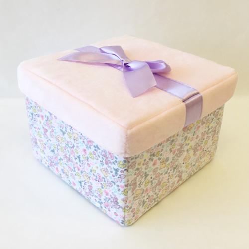 プレゼント用に、収納BOXとしても使えちゃう特製BOX♪