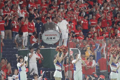 都市対抗野球は応援も熱い! チアリーダーにマスコットガール。都市対抗の華・応援合戦に注目!